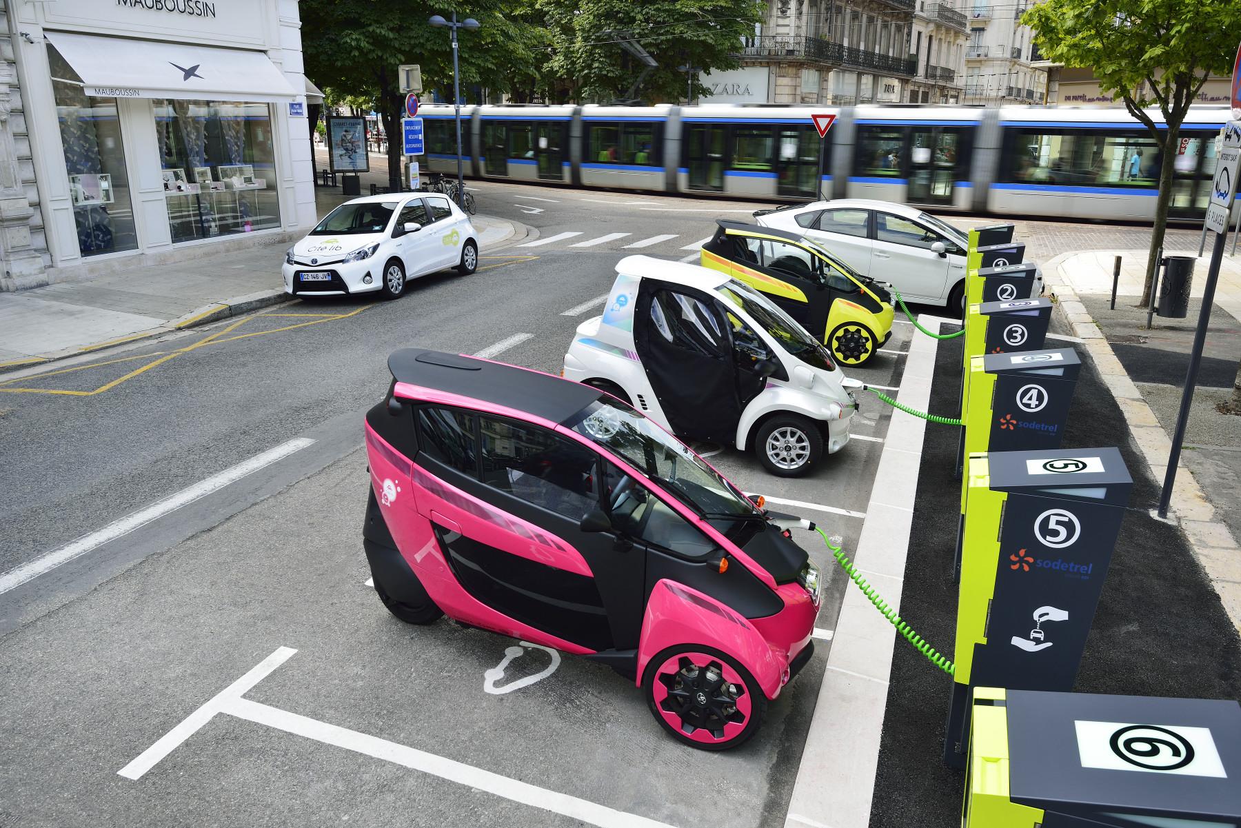 Araçların şarj noktaları toplu taşıma ile entegre çalışıyor